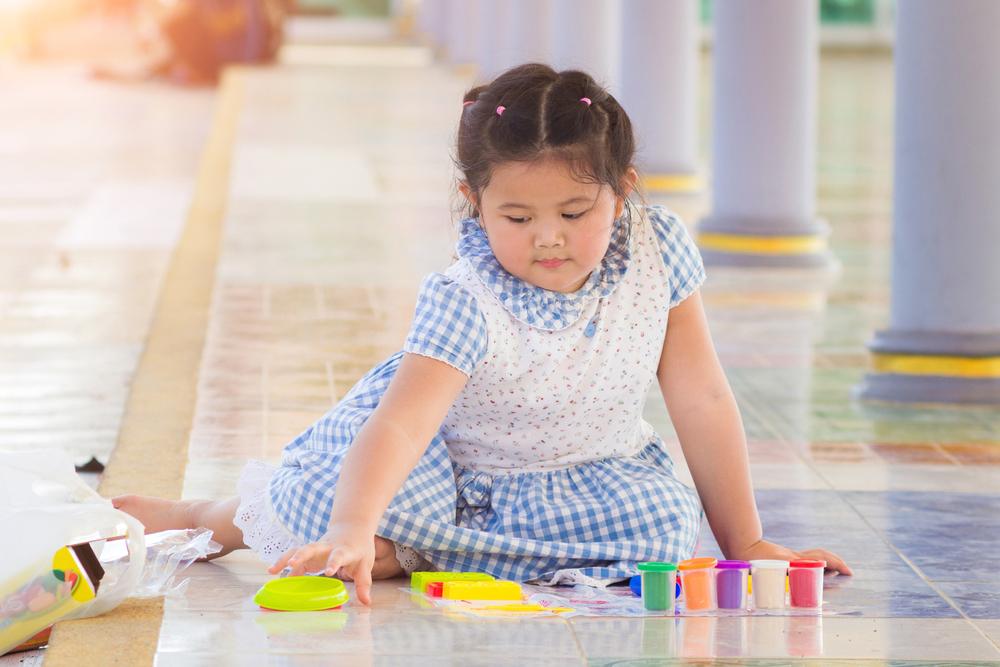 6 Tips Penting Memilih Baju dan Mendandani Anak Berbadan Gemuk